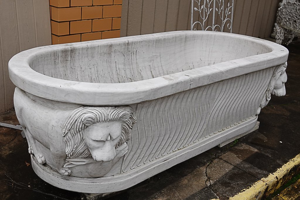 Magnificent Carved Marble Bathtub - 5