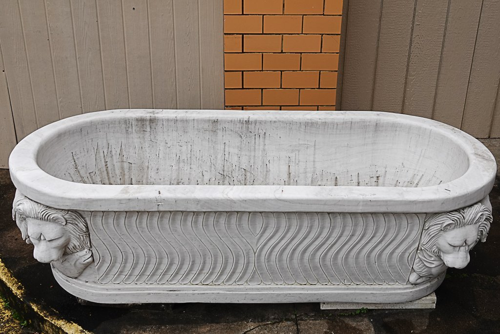 Magnificent Carved Marble Bathtub - 7