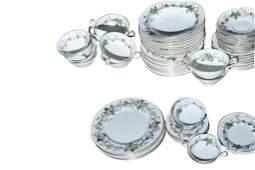 Minttons Lothian Partial Porcelain China Set