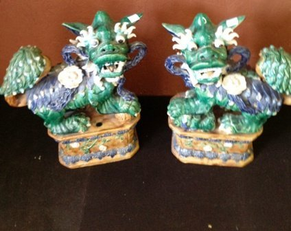 PAIR OF CHINESE TEMPLE DOGS: