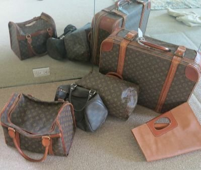 5 PCS OF LUGGAGE INCLUDING LOUIS VUITTON & GUCCI: