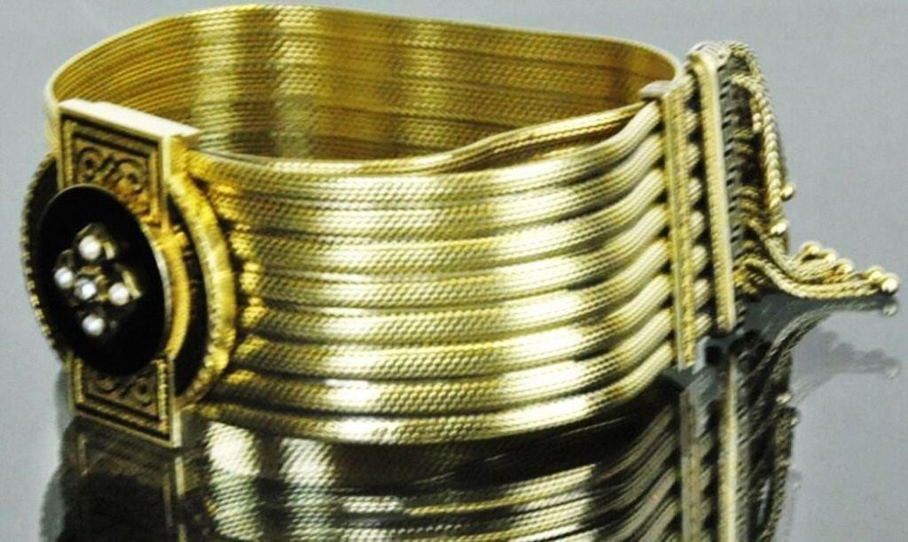 Victorian Etruscan Enameled Gold Bracelet