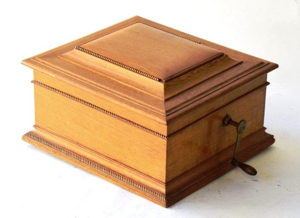 19th Century Regina Music Box Co. Music Box