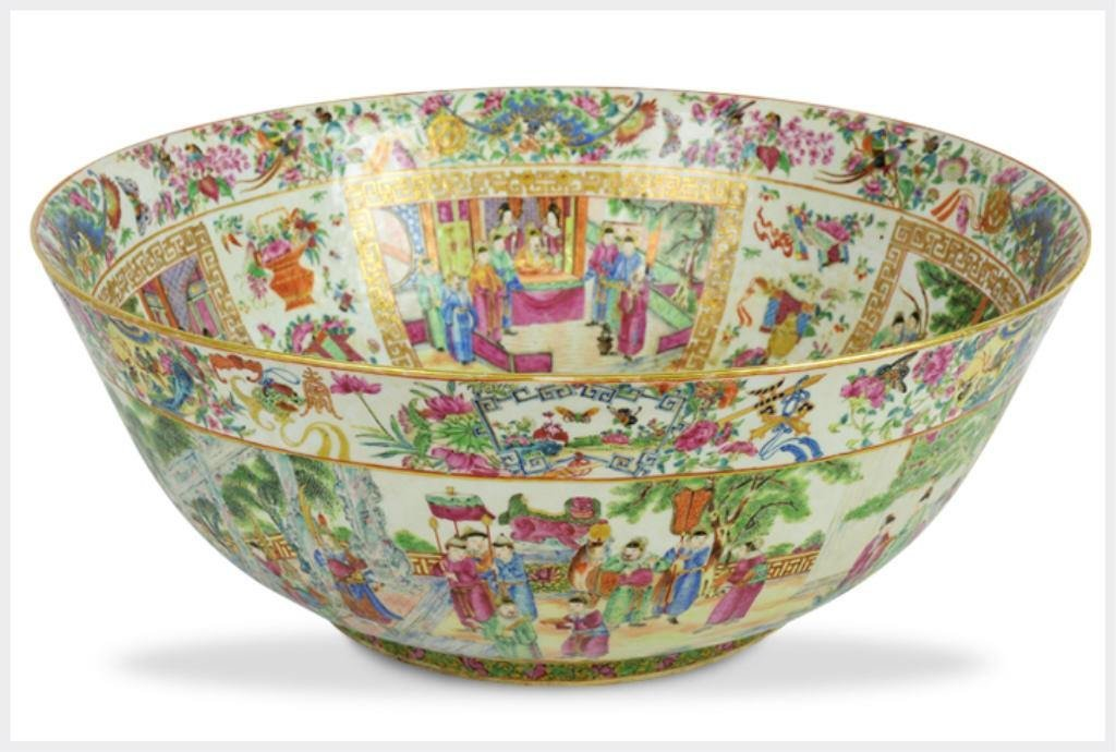 18th/19th Century Large Famille Rose Bowl