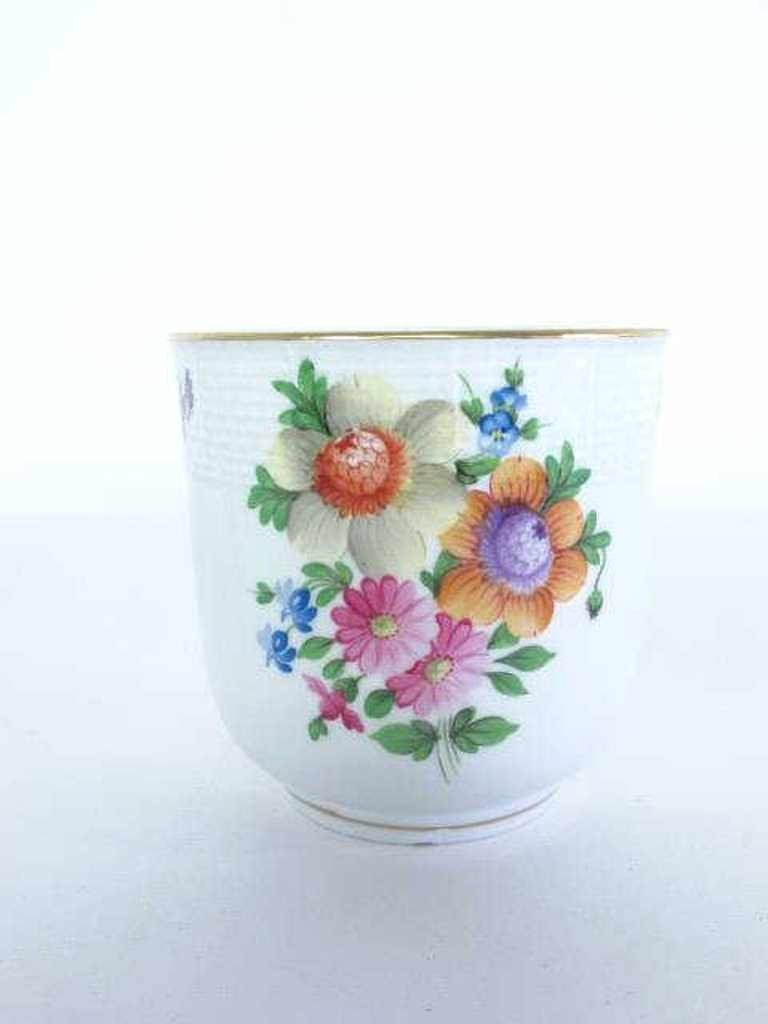 Two Herend Porcelain Containers - 3