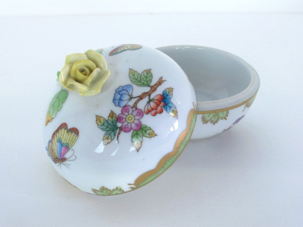 Two Herend Porcelain Containers - 6