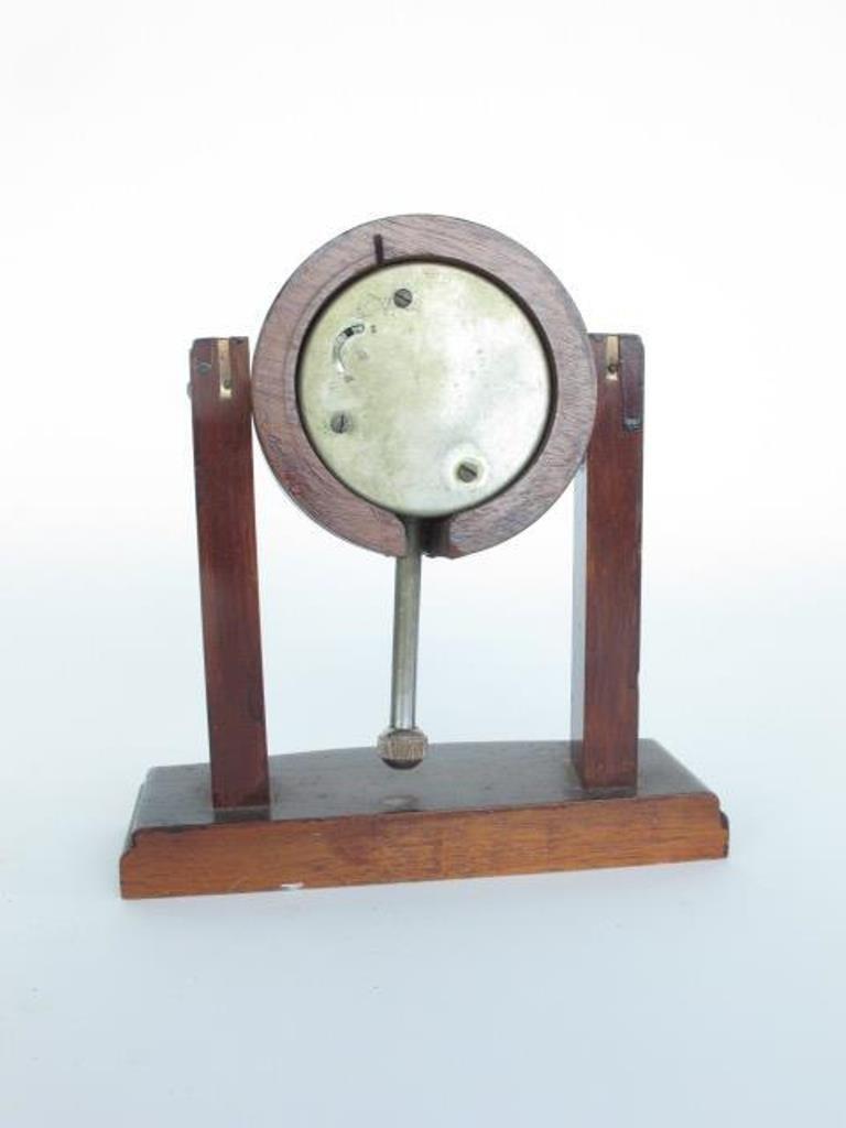 Seth Thomas Small Mantle Clock - 6