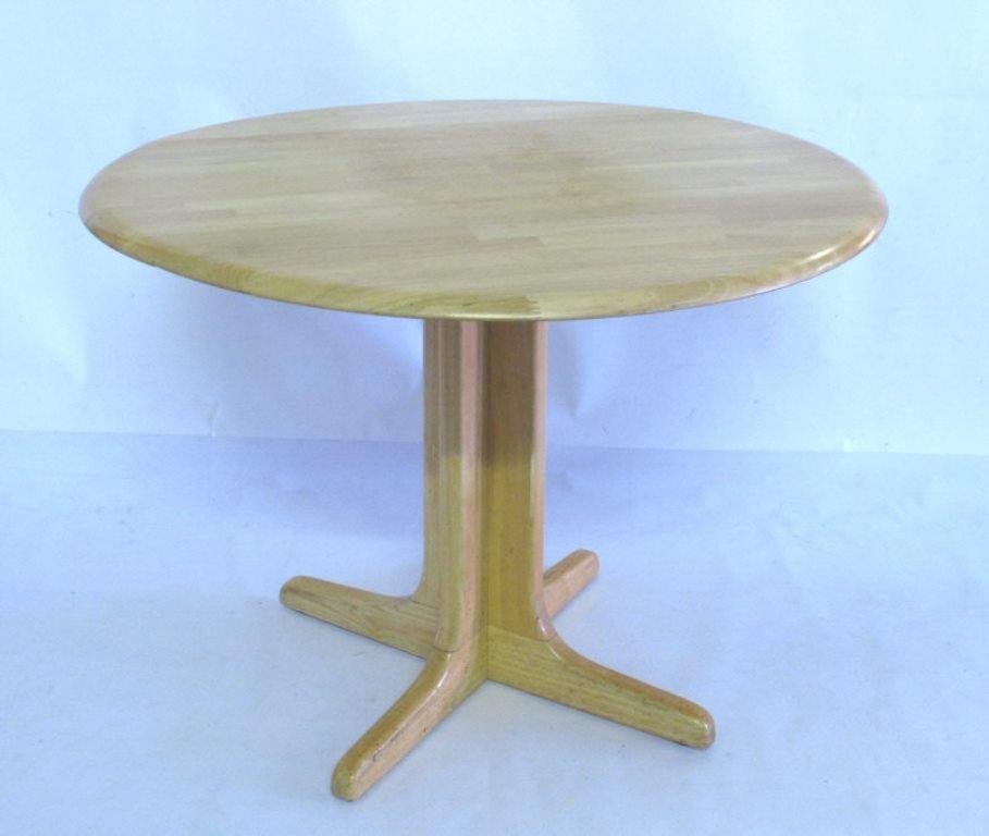 Drop Leaf Oak Table