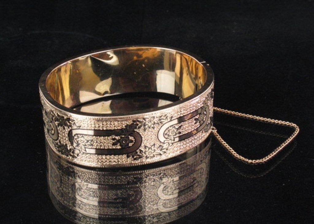 Ladies 14 karat Yellow Gold & Enamel Bracelet