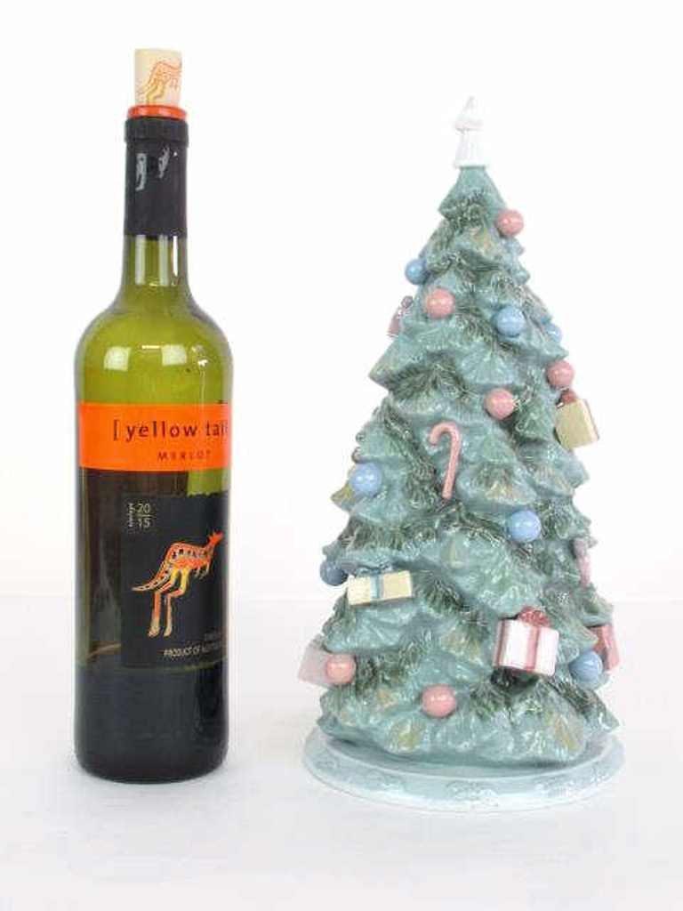 "Lladro ""Christmas is Here"" Tree"