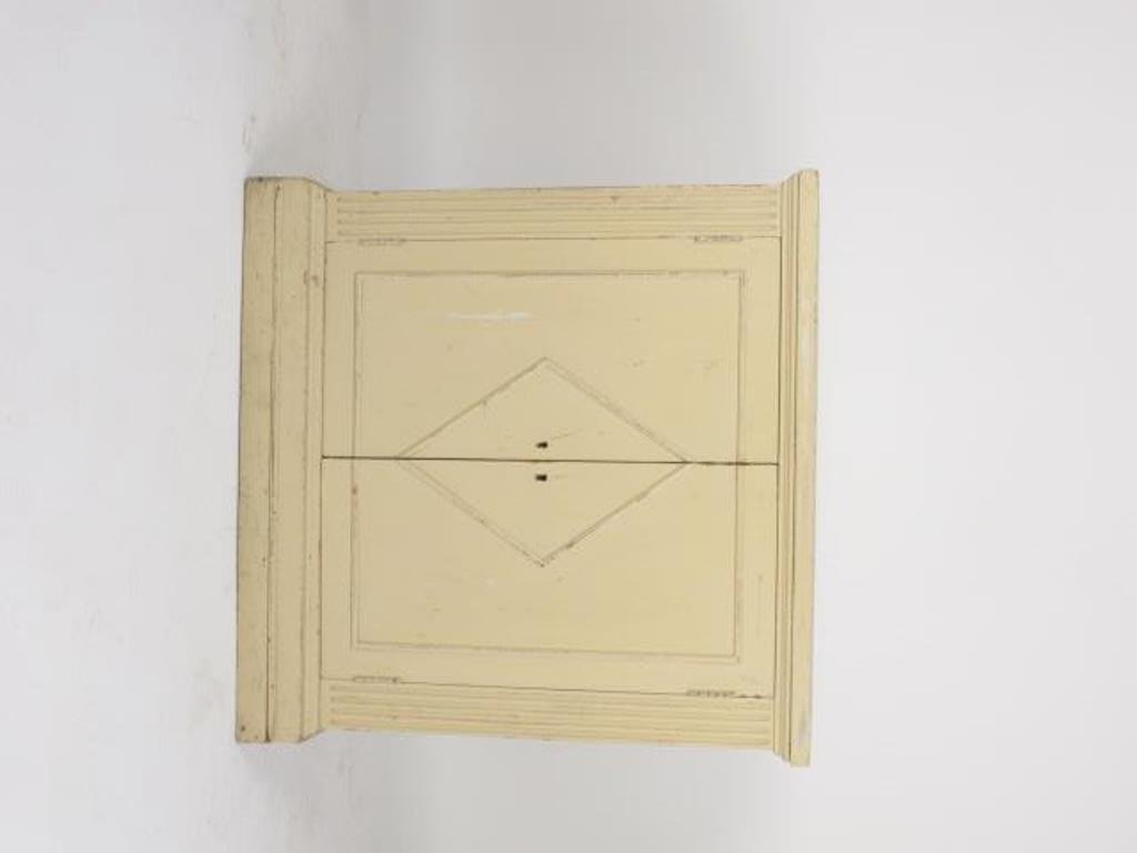 White Painted Classical Style Cabinet