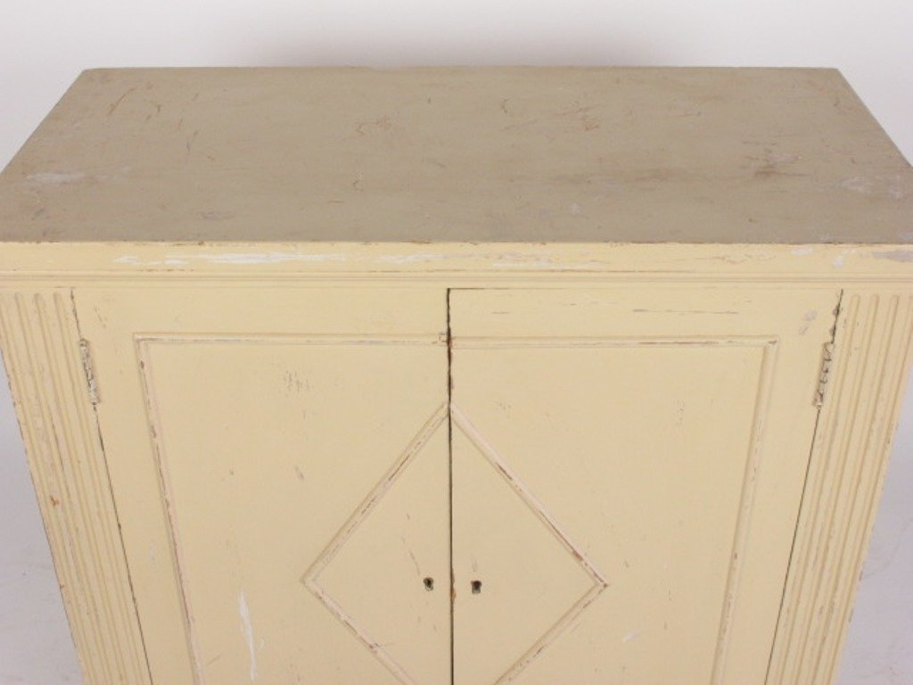 White Painted Classical Style Cabinet - 2