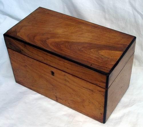 1417: Antique English Sheraton Walnut Tea Caddy 18th C.