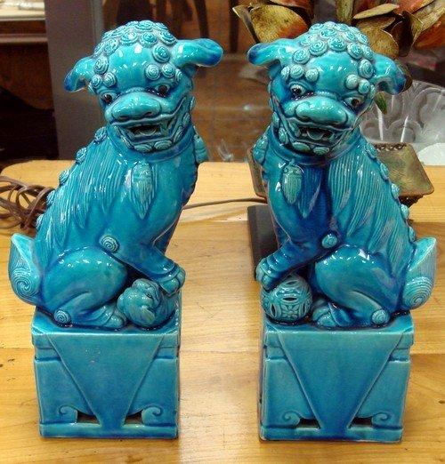 1615: Jingdezhen Fahua Ming Blue Foo Dogs