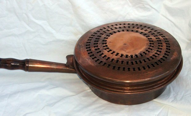 2010: Antique Copper Bedwarmer