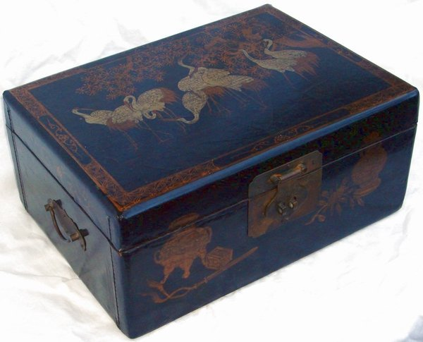2013: Antique Chinese Lacquer Crane Box