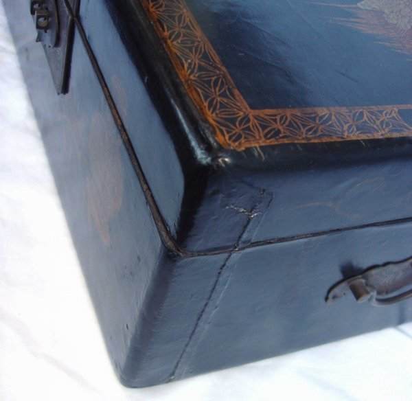 2013: Antique Chinese Lacquer Crane Box - 2