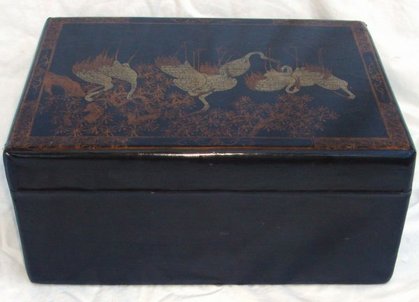 2013: Antique Chinese Lacquer Crane Box - 5