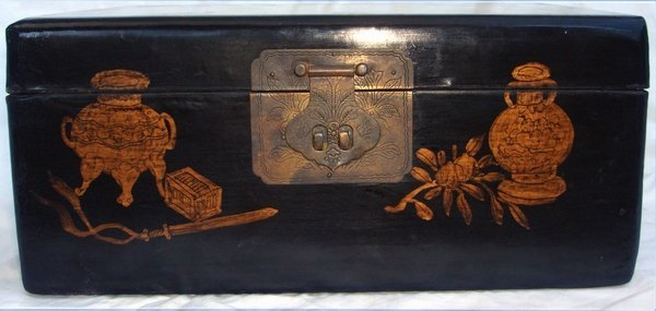 2013: Antique Chinese Lacquer Crane Box - 6