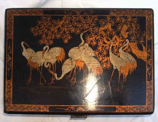 2013: Antique Chinese Lacquer Crane Box - 7