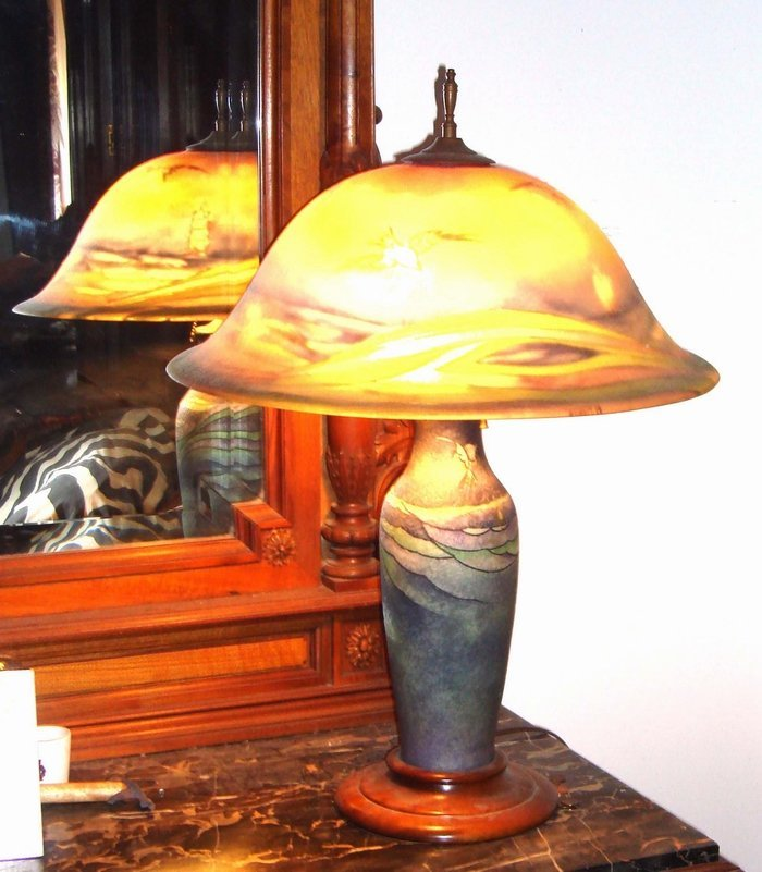 2057: Antique Pairpoint Signed Seagull Lamp