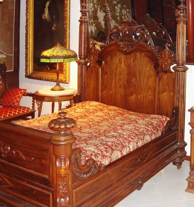 2061: Antique Horner Rosewood Bed