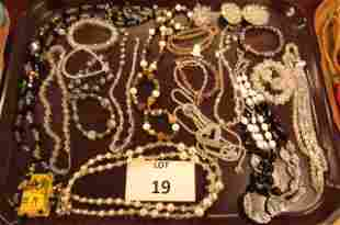 Glass bead and others lot