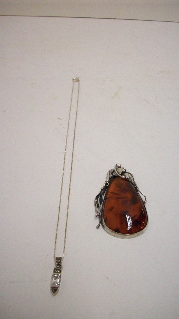 16: Sterling Chain with Pendant, Amber/Sterling Pendant