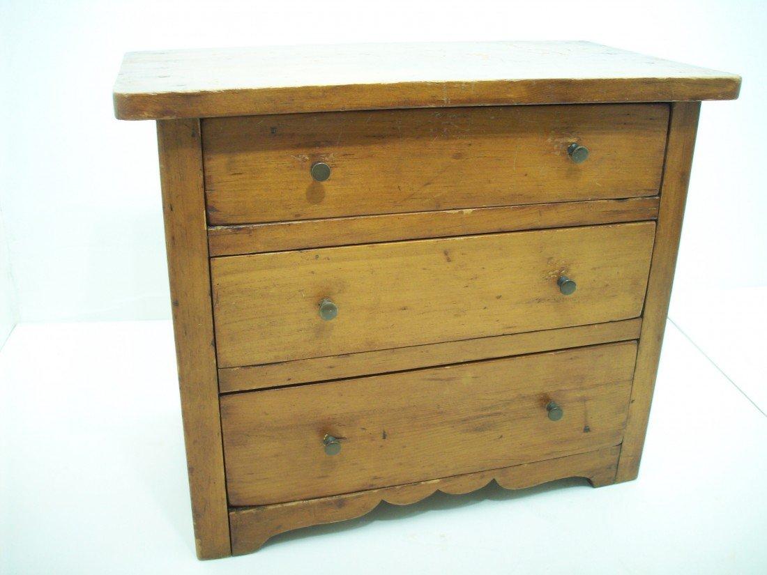 86: Vintage Doll Dresser