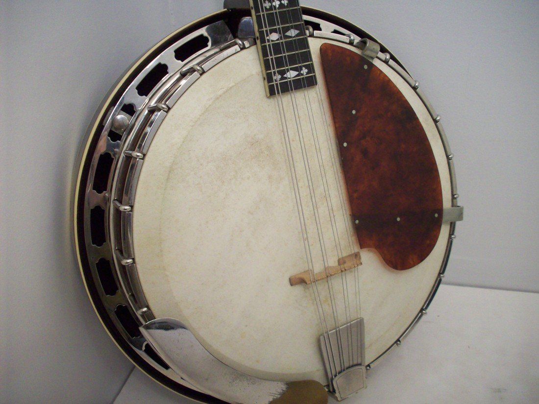 The Gibson Banjo-Mandolin MB-3 with Case - 5