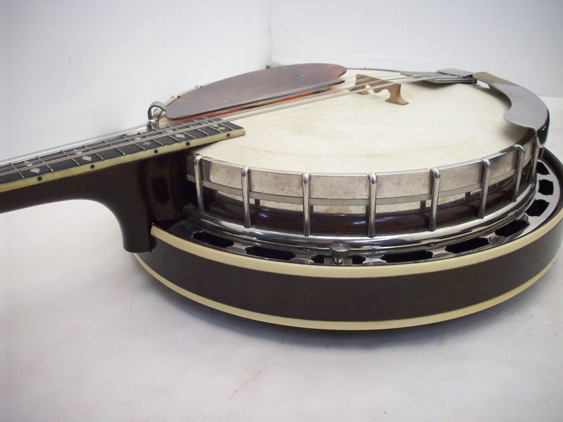The Gibson Banjo-Mandolin MB-3 with Case - 8