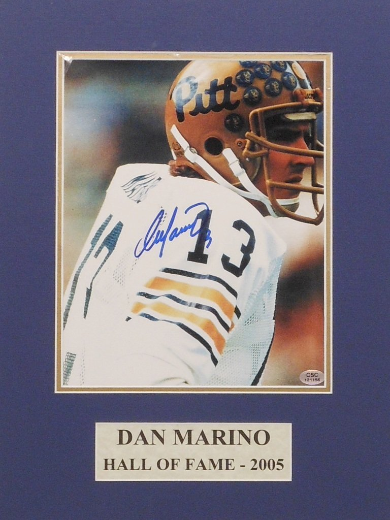 Dan Marino Autograph Color Photograph