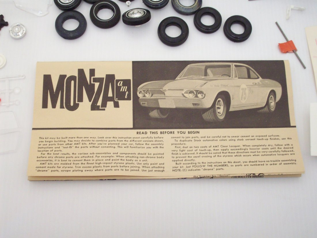 AMT '68 Corvair 1/25 Scale Model Car Kit - 10