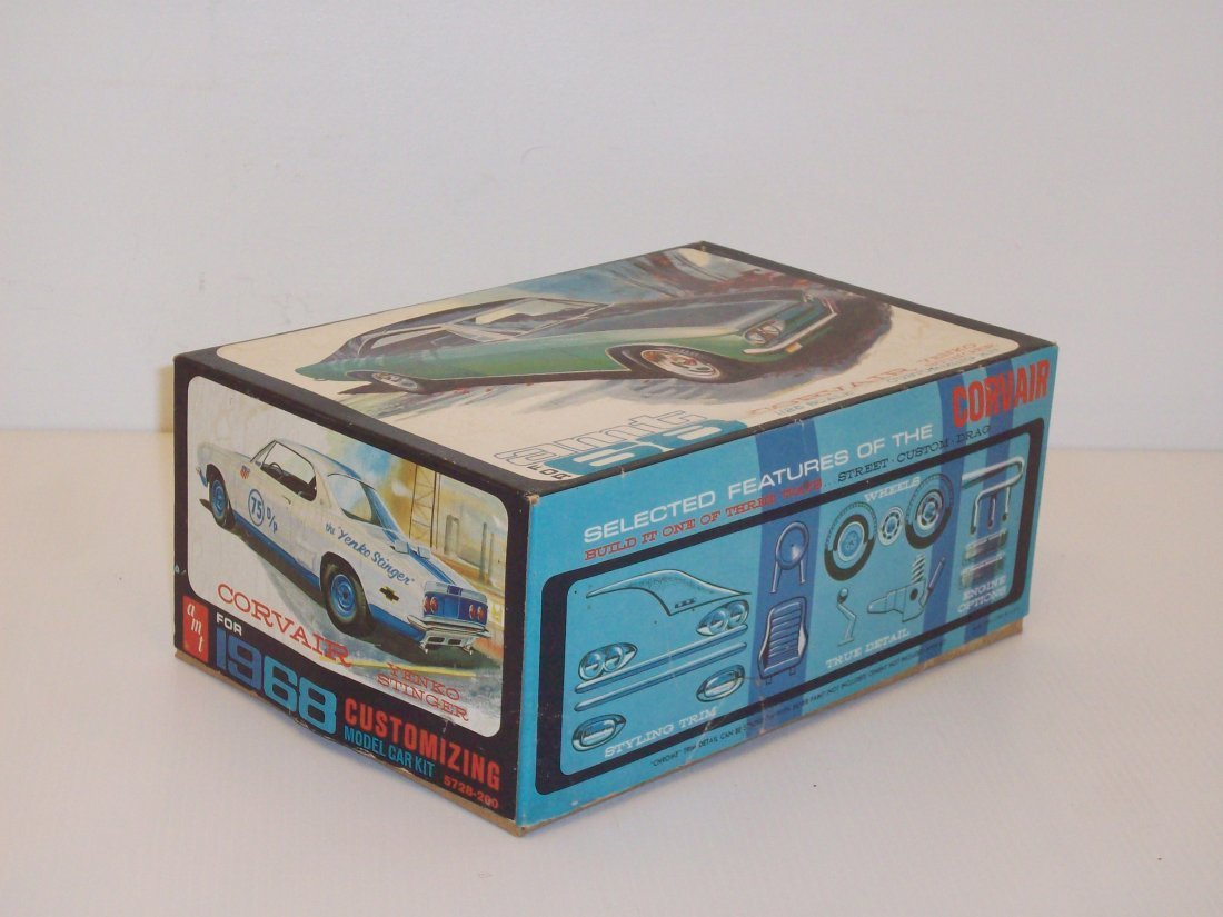 AMT '68 Corvair 1/25 Scale Model Car Kit - 2