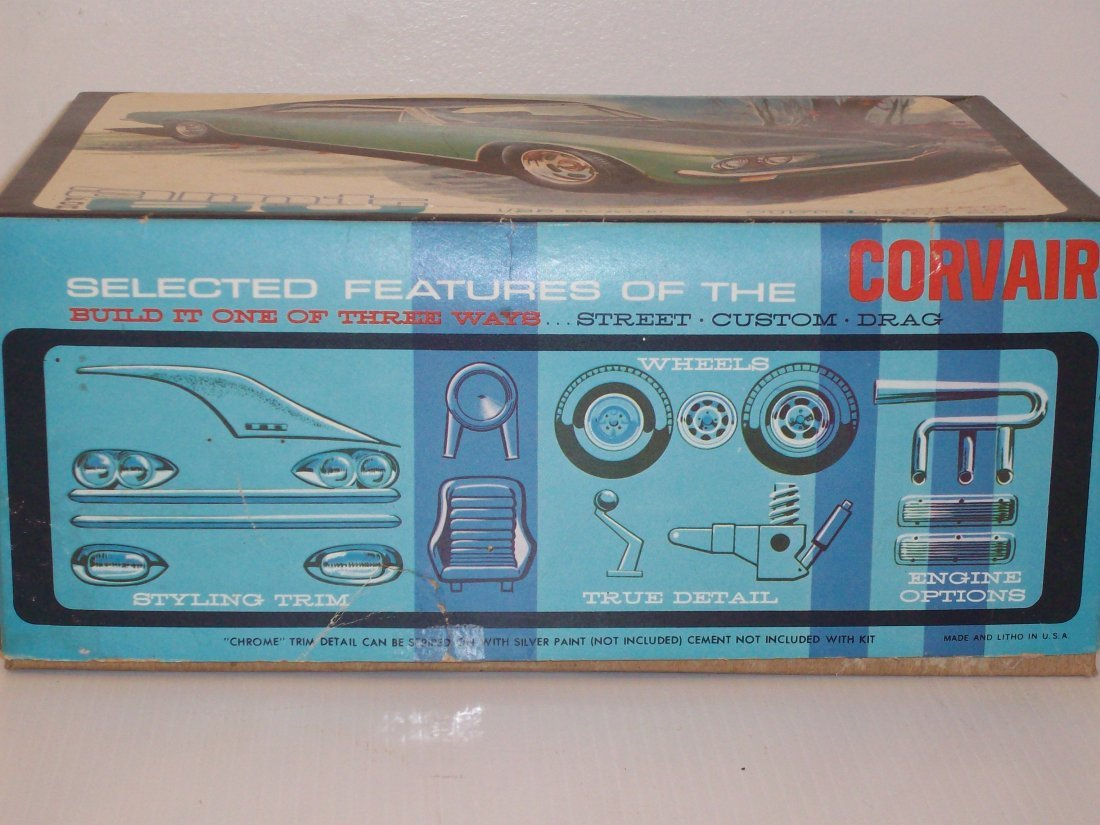 AMT '68 Corvair 1/25 Scale Model Car Kit - 3