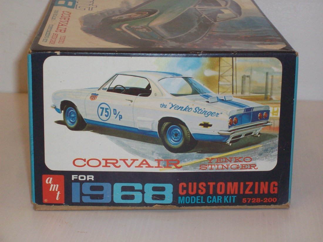 AMT '68 Corvair 1/25 Scale Model Car Kit - 4