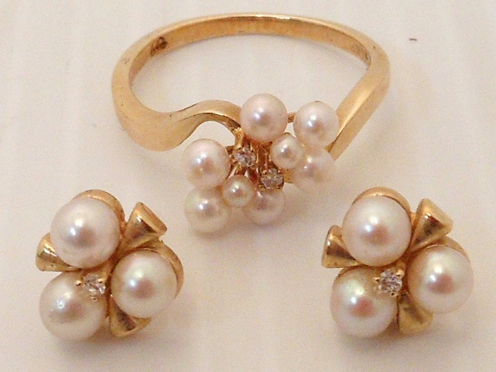 14K Gold Pearl Diamond Ring and Earring Set