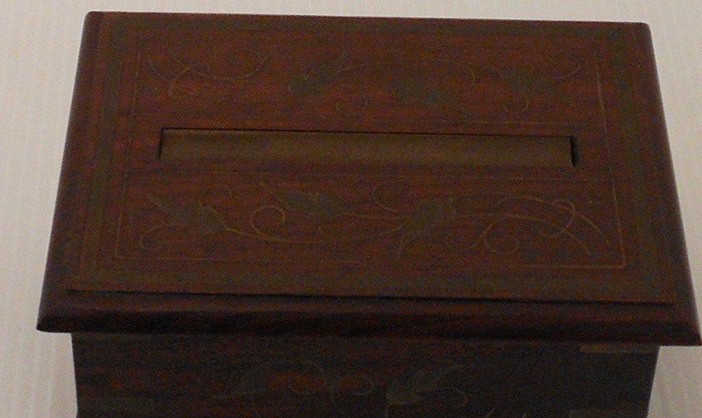 Vintage Arts and Crafts Wood Cigarette Box Dispenser - 3