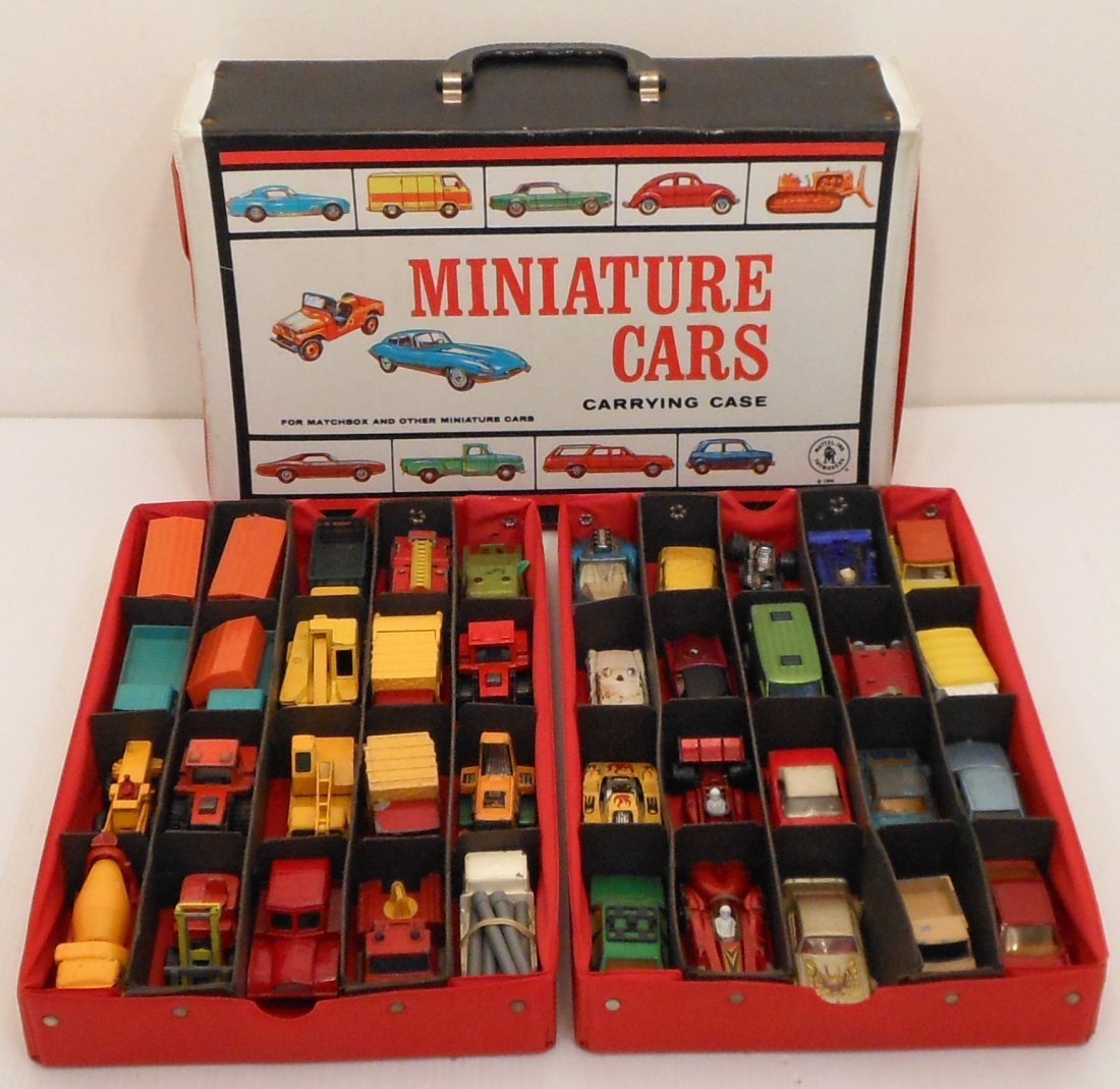 Mattel Miniature Cars Case with Matchbox Cars