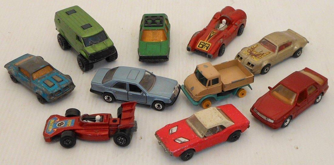 Mattel Miniature Cars Case with Matchbox Cars - 4