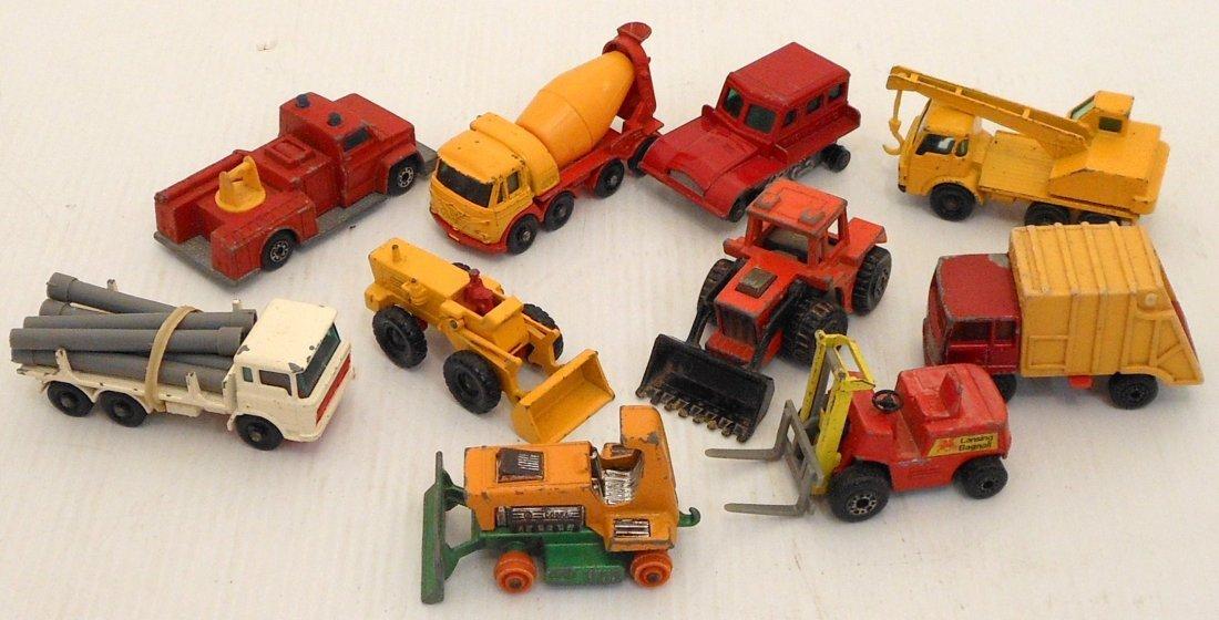 Mattel Miniature Cars Case with Matchbox Cars - 6