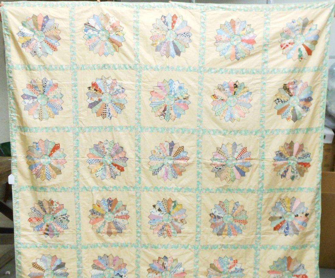 Vintage Appliquéd Pinwheel Pattern Quilt