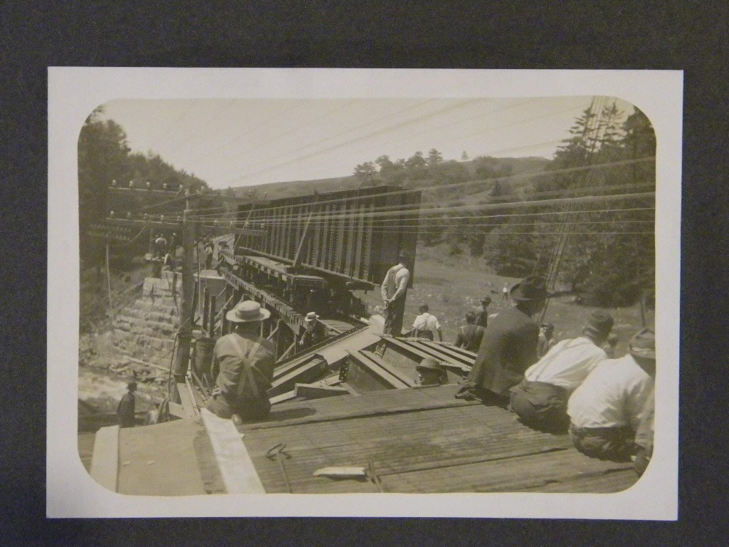 13: Lot of early train photos& 2 large cabinet cards 2