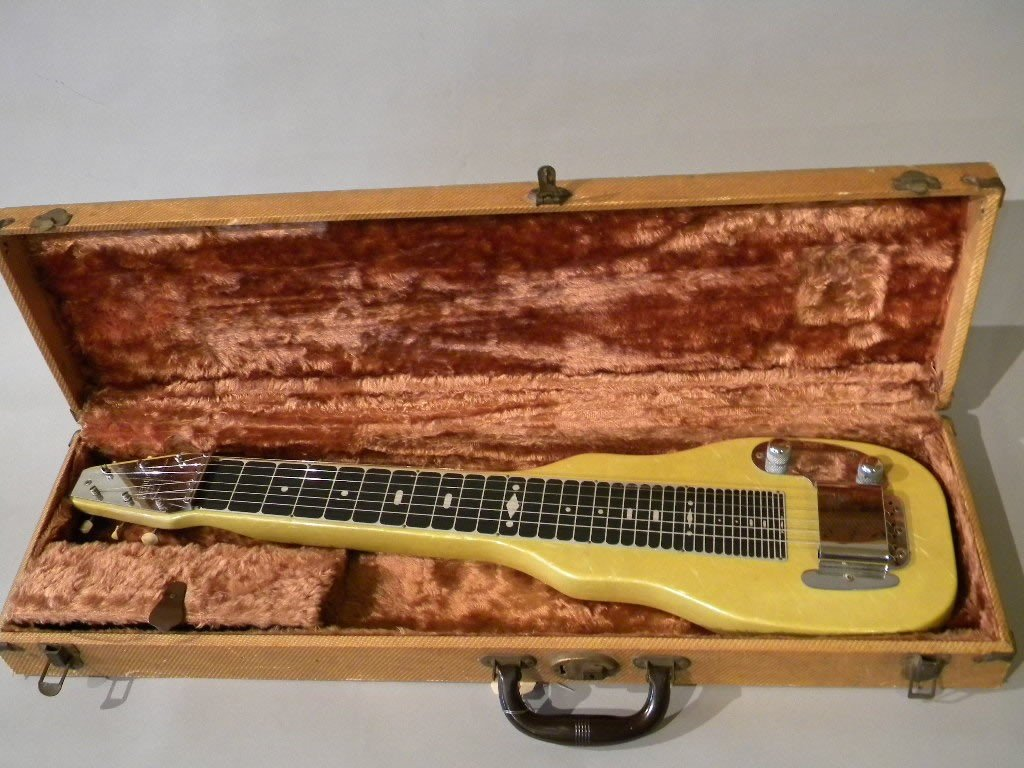 14: Fender Steel Guitar serial # 3113 in working order