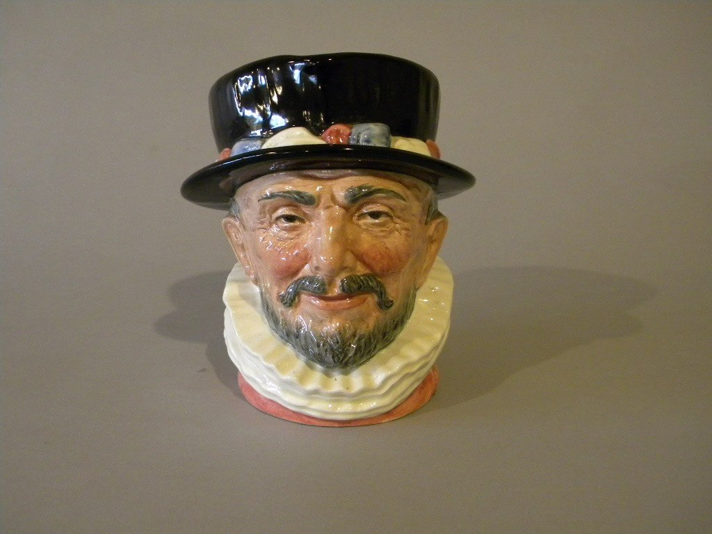 """22: Royal Doulton large toby """"Beefeater D 6206 1946"""