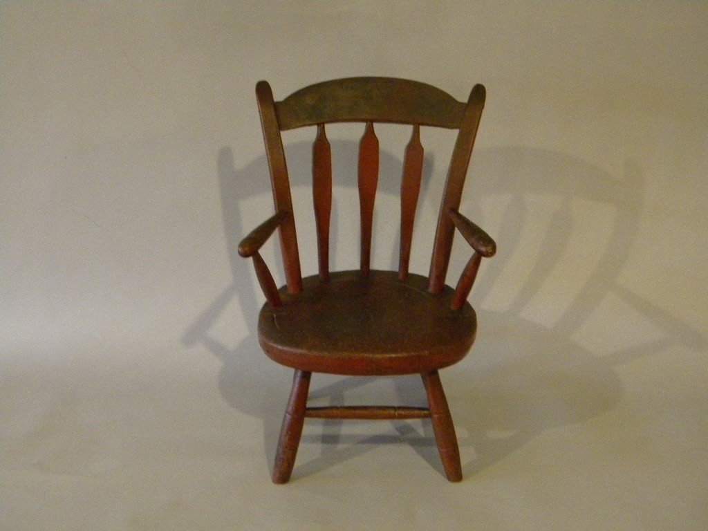 """24: Small childs thumback windsor chair 19"""" tall"""
