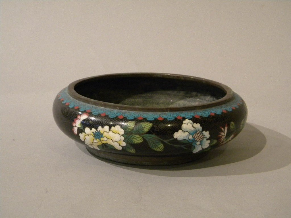 130: 19th century Cloisonee bowl with floral interior s