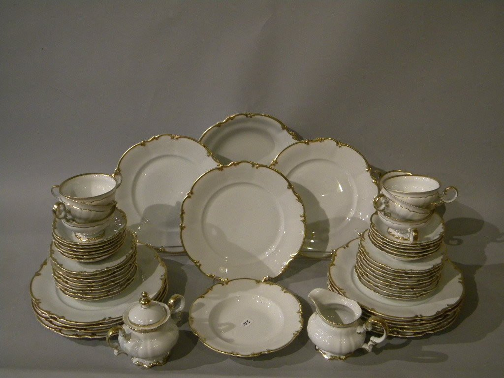 143: Hutschenreuther dinner service for 12, 12 dinner p