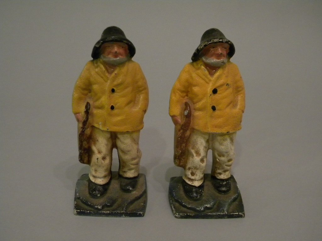 21: Cast Iron Fisherman bookends