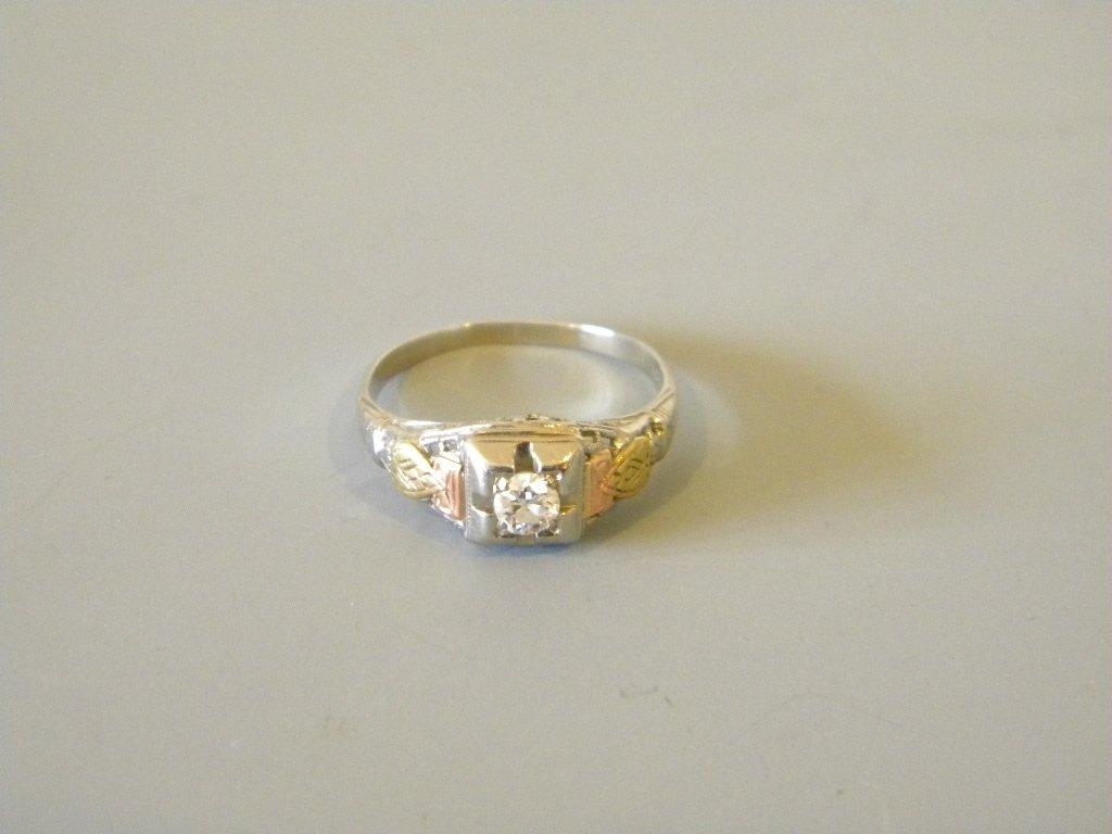 18 kt Tri-color Gold & Diamond ladies ring